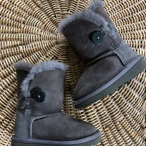 Toddler Bailey Button Grey Uggs